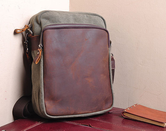 Canvas Bag Canvas Messenger Bag Leisure Leather/Canvas Bag Canvas Ipad Bag ---Off white/ Army Green